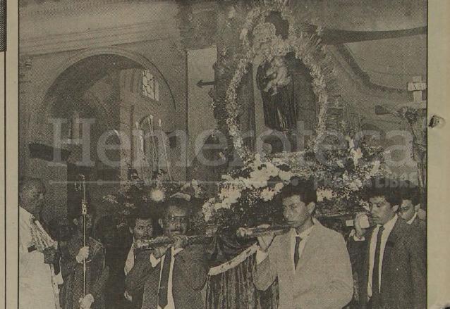 Ceremonia de consagración de la Virgen del Socorro en la Catedral el 27 de septiembre de 1992, aparece el arzobispo Próspero Penados. (Foto: Hemeroteca PL)