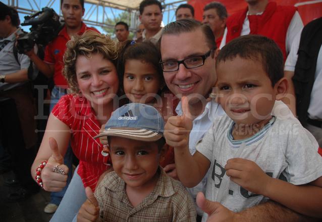 """Cierre de campaña 2011: entre """"bono 15"""" y sangrado de nariz"""