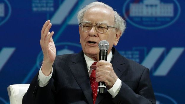 Buffet es visto como una leyenda inversionista en Wall Street. FOTO: GETTY IMAGES