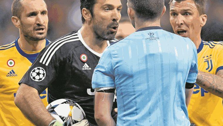 Gianluigi Buffon fue sancionado por la Uefa. (Foto Prensa Libre: Hemeroteca PL)