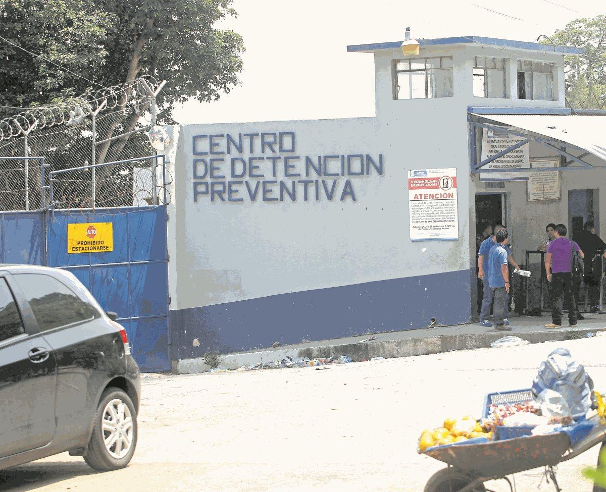 El coronavirus llegó a tres centros carcelarios de Guatemala