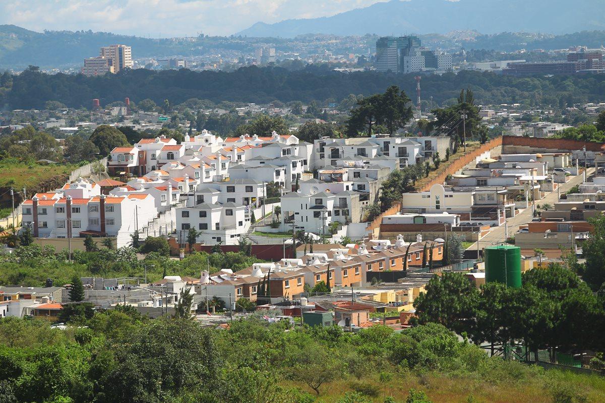 Ciudad San Cristóbal, zona 8, ha tenido un crecimiento urbano acelerado. En el lugar funcionan 124 proyectos habitacionales y 10 centros comerciales. (Foto: Hemeroteca PL)