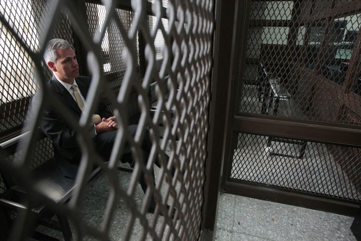 El diputado Christian Boussinot durante la audiencia en el Juzgado de Mayor Riesgo A este viernes. (Foto Prensa Libre: Carlos Hernández).