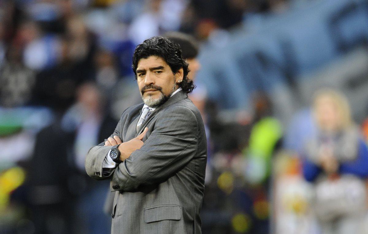 Diego Maradona se encuentra en Colombia donde fue sometido para un tratamiento en sus dos rodillas. (Foto Prensa Libre: Hemeroteca PL)