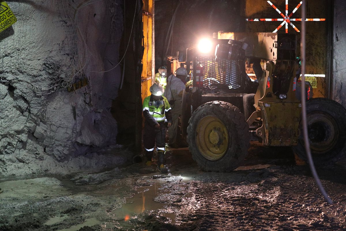 Propietaria de Minera San Rafael emite disculpa pública por incidente del 2013