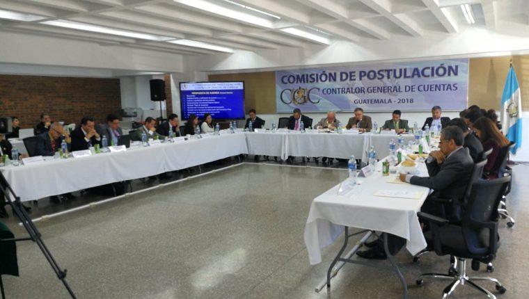 La Comisión de Postulación para Contralor General de Cuentas se reune en la Universidad Mesoamericana. (Foto Prensa Libre: Hemeroteca)