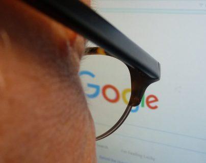 Google busca colaborar con los medios de comunicación para eliminar las noticias falsas. (Foto: Prensa Libre: AFP)