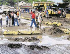 Antigua Guatemala se enfrenta desde hace varios años a las inundaciones, causadas por la carencia de un sistema de drenaje adecuado. (Foto Prensa Libre: Renato Melgar)