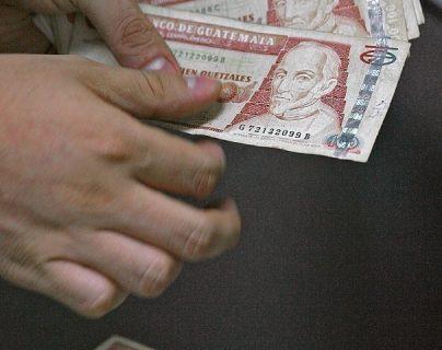 Luego que ya se publicó el reglamento para bonos destinado a pequeños inversionistas en el 2018, el Ministerio de Finanzas debe convocar a una licitación. (Foto, Prensa Libre: Hemeroteca PL)