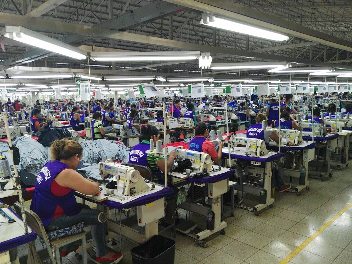 <div>Guatemala busca en Nueva York atraer inversiones textiles al país</div><div></div>