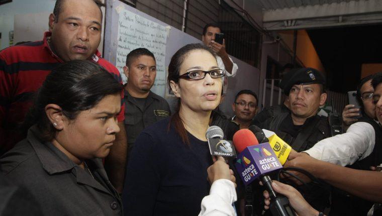 El juez Miguel Ángel Gálvez, ordenó el traslado de la ex vicepresidenta Roxana Baldetti a un hospital privado en Mixco (Foto Prensa Libre: Paulo Raquec).