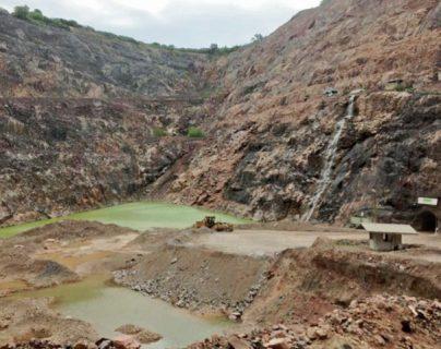 La Asociación pro Desarrollo Minero señaló que el actuar de Calas ha causado la pérdida de más de siete mil 500 empleos a escala nacional desde que se cerró la mina San Rafael, hace 386 días.