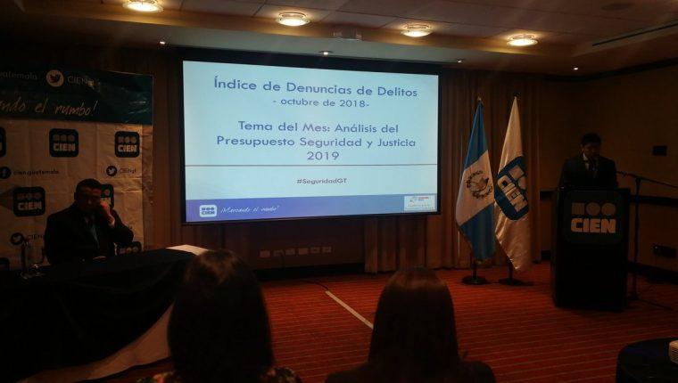 En un hotel capitalino la entidad Cien presentó un informe de las denuncias y homicidios y el análisis del presupuesto 2019. (Foto Prensa Libre: Kenneth Monzón)