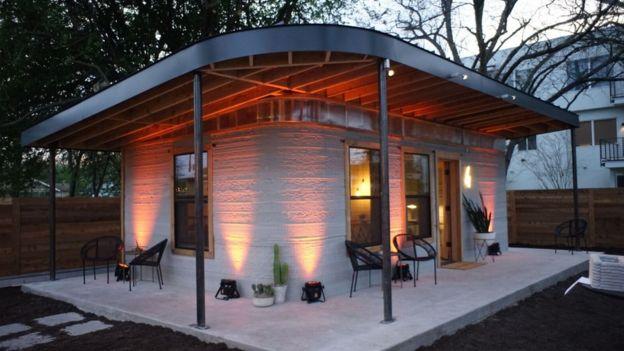 Esta casa se construyó con una impresora 3-D. ICON / NEW STORY