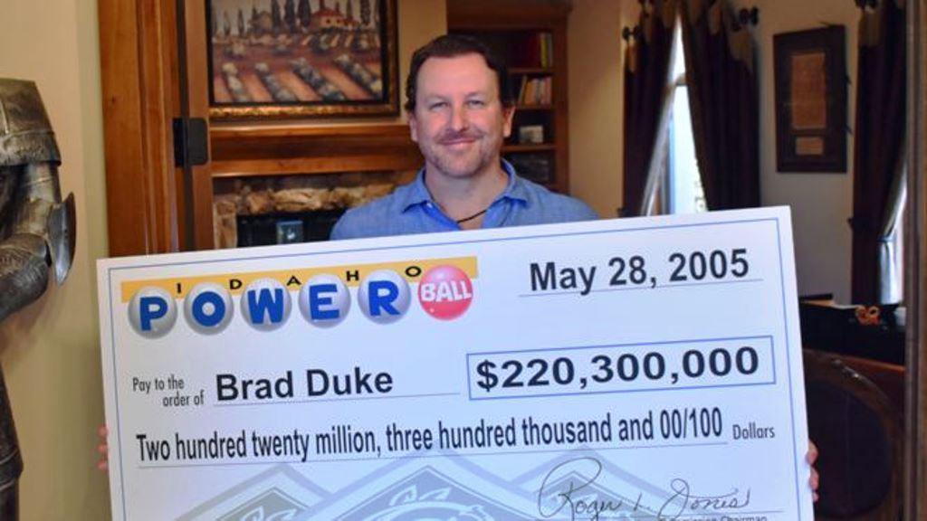 ¿Qué harías si ganaras una fortuna en la lotería? Esto hicieron 3 afortunados