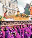Procesión con la imagen de Jesús Nazareno del Perdón, del templo San Francisco El Grande, Antigua Guatemala. Foto Prensa Libre: Edwin Castro