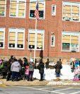 Vista de la escuela primaria Grant en Nueva Jersey donde el menor de 10 años se lanzó del segundo nivel el mes pasado. (Foto Prensa Libre: NorthJersey.com)