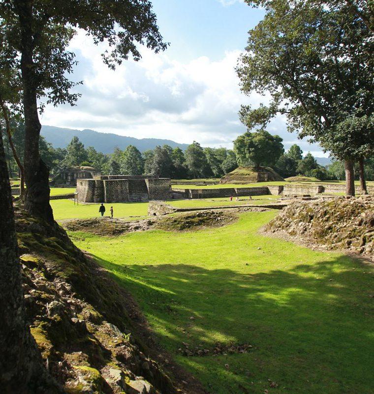 Vestigios del sitio arqueológico Iximché, capital de los kaqchikeles. (Foto: Hemeroteca PL)