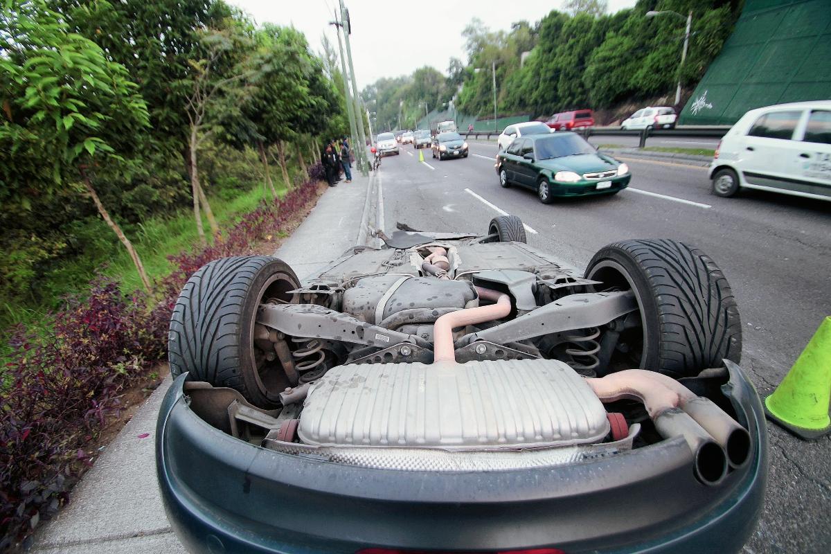 La mayoría de accidentes de tránsito se dan por exceso de velocidad. (Foto Prensa Libre: Hemeroteca PL)
