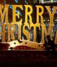 Los cristianos en India se preparan para celebrar la Navidad en Bangalore. (Foto Prensa Libre:EFE).