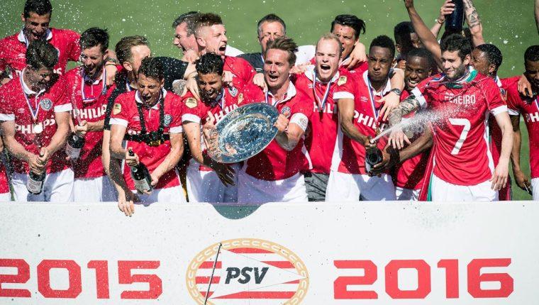 Los jugadores del PSV festejan el título. (Foto Prensa Libre: AFP)