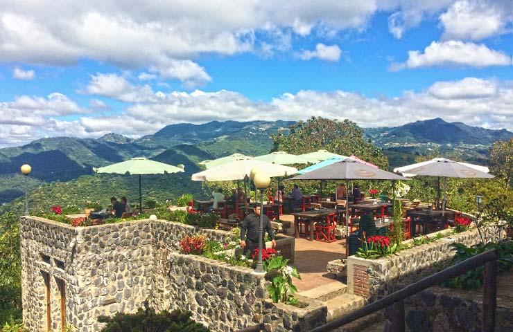 En Guatetur podrá encontrar unos 100 expositores de destinos turísticos y servicios. En especial comunitarios de diferentes departamentos. (Foto, Prensa Libre: Hemeroteca PL).