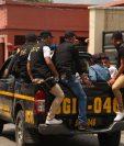 El plan de seguridad policial durante la consulta popular comenzó el sábado a mediodía. Traslado de personas capturadas. (Foto: PNC)