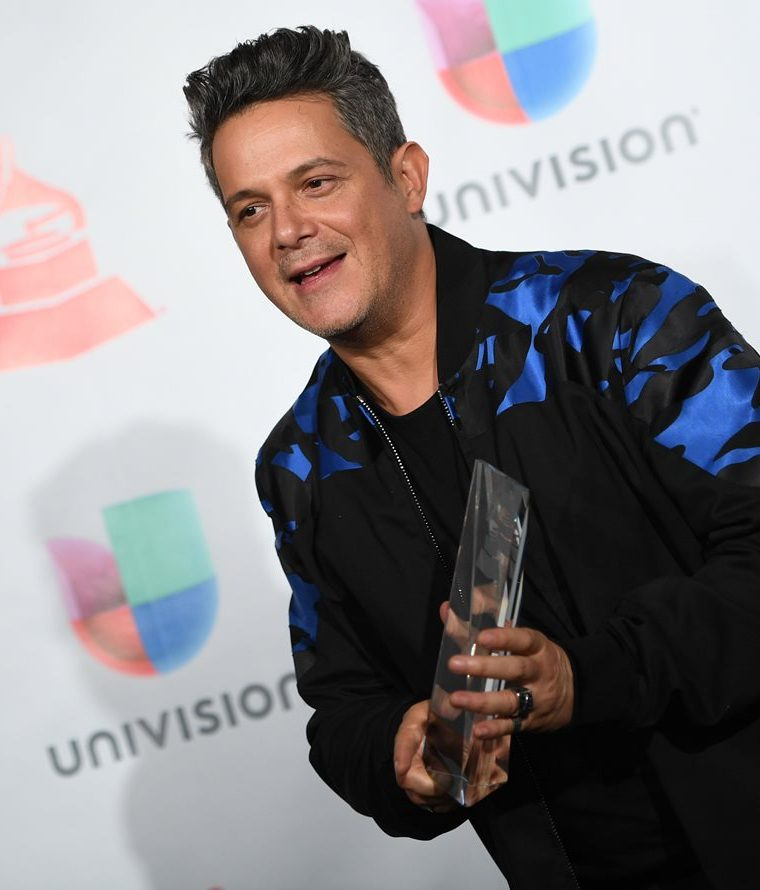 Alejandro Sanz recibió el reconocimiento de Persona del Año (Foto Prensa Libre: AFP).