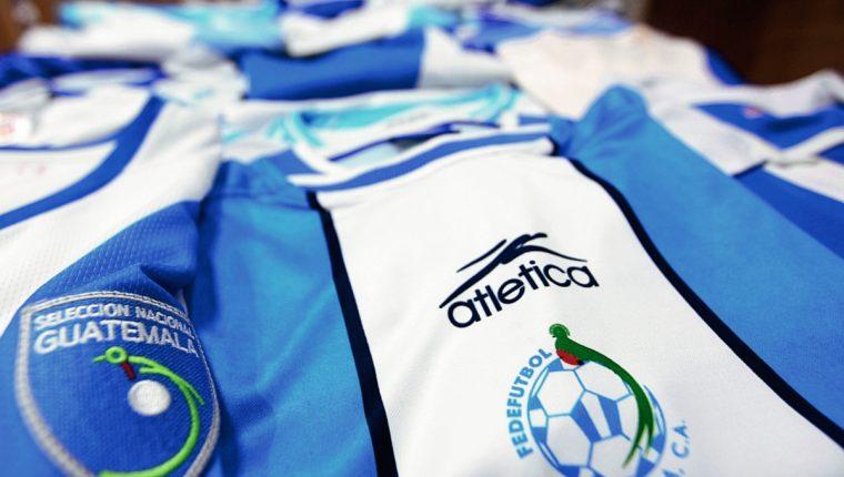Historia de camisolas de la Selección Nacional de Guatemala. (Foto Prensa  Libre  Fernando f3ceabdc30884