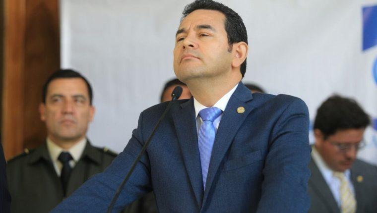 Jimmy Morales durante la conferencia de prensa, luego de la reunión de Gabinete, en Casa Presidencial. (Foto Prensa Libre: Esbin García)