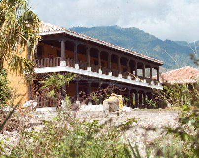 2003: Alfonso Portillo también se construyó un castillo