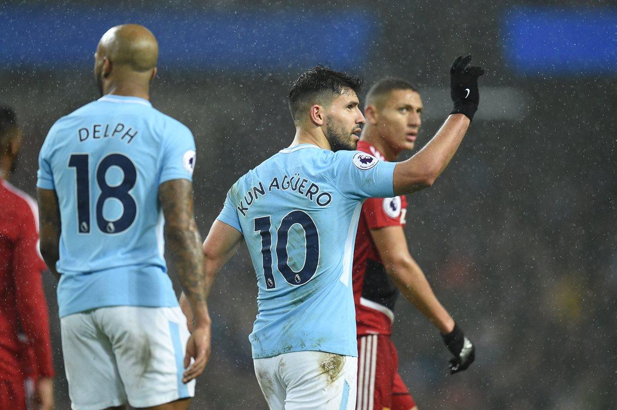 Sergio Agüero volvió a festejar una anotación ayer, en el triunfo del Manchester City frente al Watford. (Foto Prensa Libre: AFP)