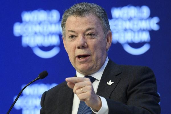 Santos anuncia acuerdo para iniciar diálogo oficial con ELN