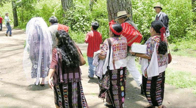 Matrimonios entre adolescentes siguen pese a reforma de ley