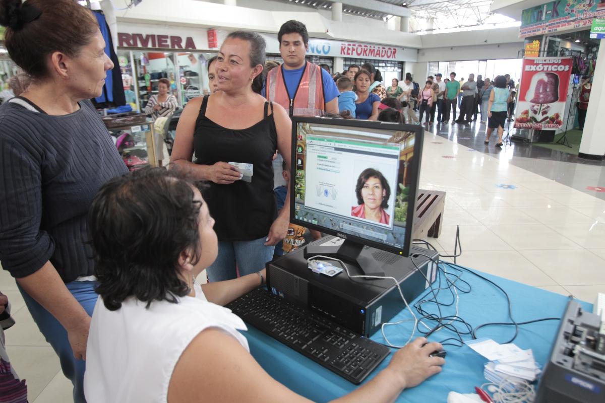 El TSE tiene establecido el 17 de marzo como última fecha para empadronarse. (Foto Prensa Libre: Hemeroteca PL)
