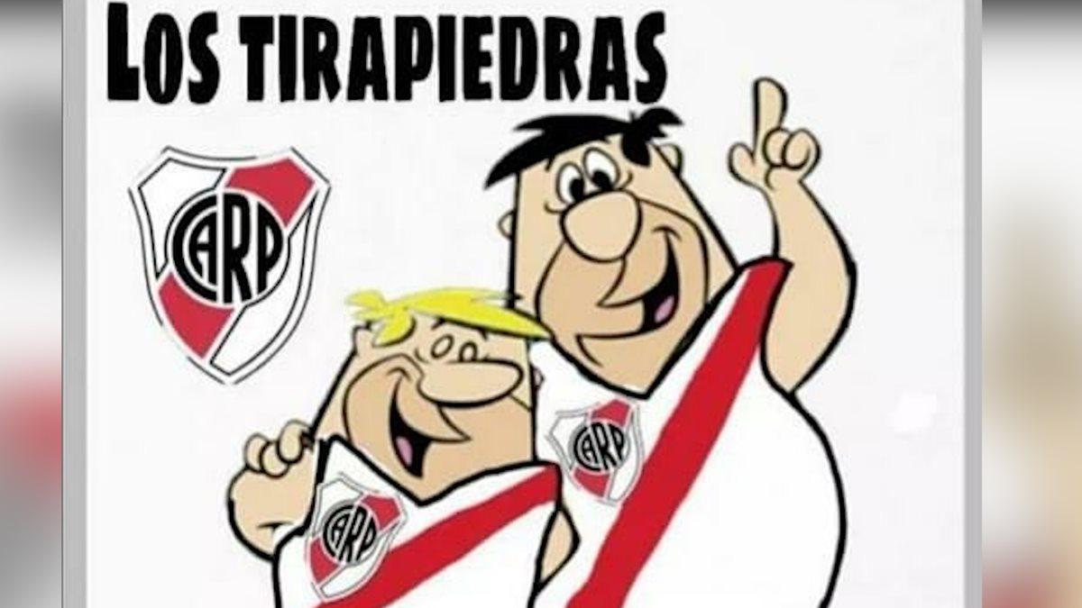 Así representaron a los aficionados de River Plate por el ataque al bus de Boca Juniors. (Foto Prensa Libre: Redes)
