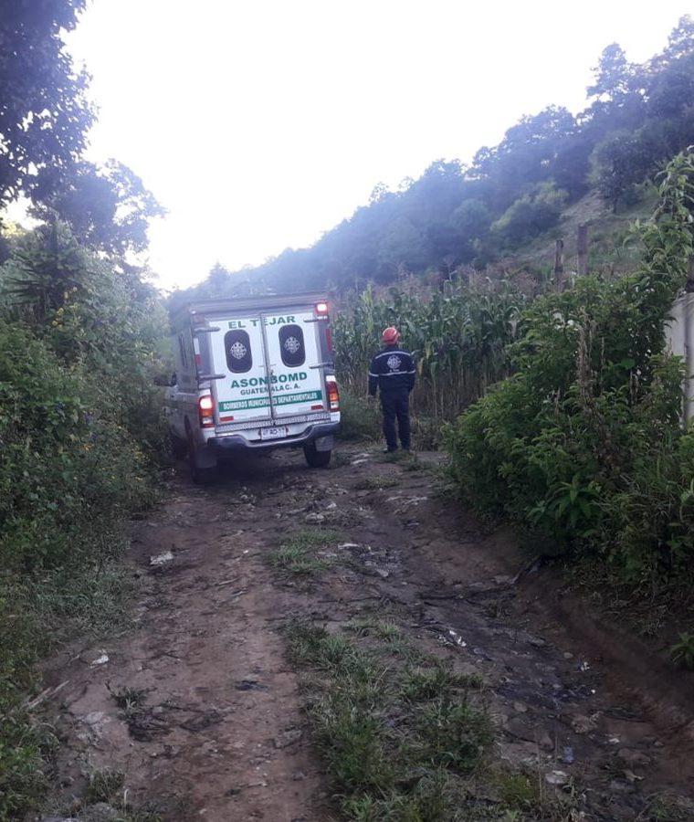 Los socorristas de El Tejar, Chimaltenango, reactivaron la búsqueda esta mañana. (Foto Prensa Libre: Víctor Chamalé)