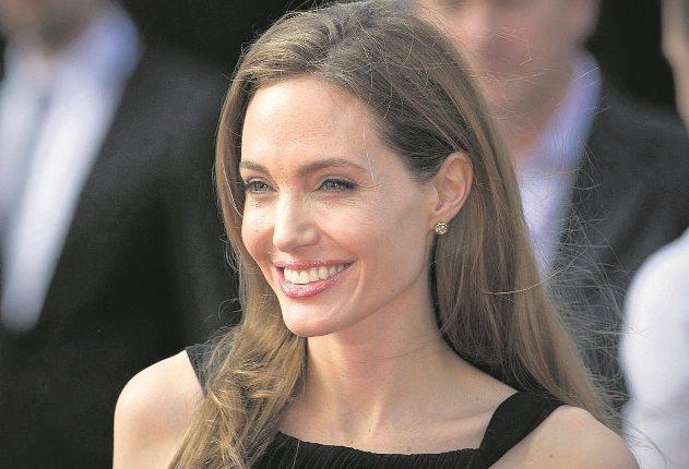 Angelina Jolie y Brad Pitt por el momento no han firmado los documentos del divorcio. (Foto Prensa Libre: AFP)