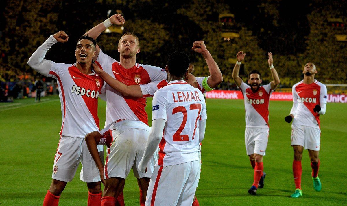 Los jugadores del Mónaco festejan la victoria contra el Borussia.
