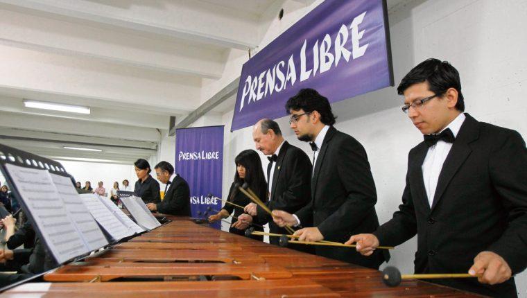 Marimba de Conciertos deleita al público. (Foto Prensa Libre: Paulo Raquec)