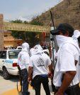 La violencia en México ha empujado a comunidades a organizarse en autodefensas armadas. (Foto Prensa Libre: EFE)