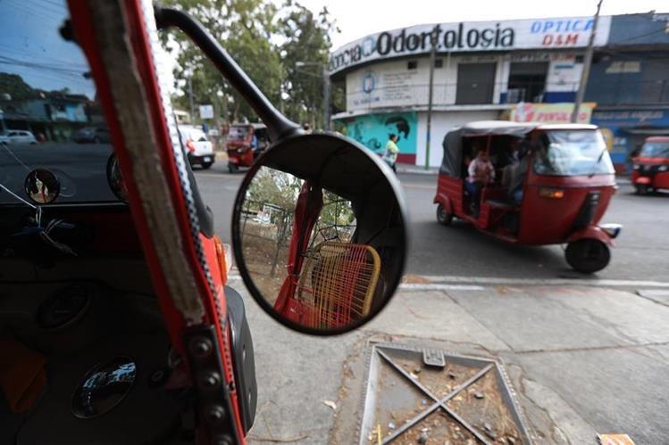 En el Congreso se discutirá una iniciativa para normar el uso de mototaxis en la Ley de Tránsito. (Foto Prensa Libre: Hemeroteca PL)