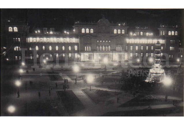 1943: inauguración del Palacio Nacional
