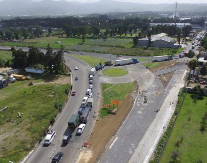 Los automovilistas pierden entre una a dos horas por pasar por la cabecera departamental de Chimaltenango y es una de las quejas que han recibido diputados de la Comisión de Comunicaciones del Congreso. (Foto Prensa Libre: Hemeroteca PL)