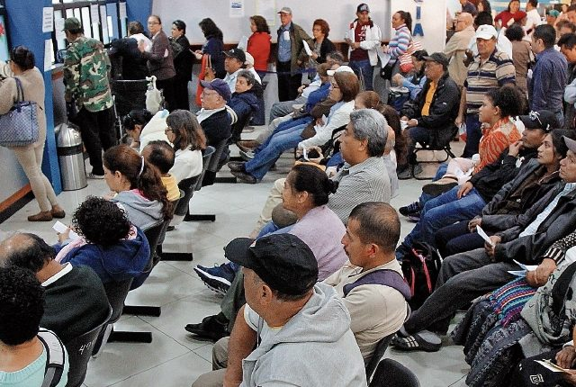 El número de cotizantes al seguro social como la inscripción de patrones refleja leves crecimientos durante el 2018, según informe de ese ente. (Foto Prensa Libre: Esbín García)