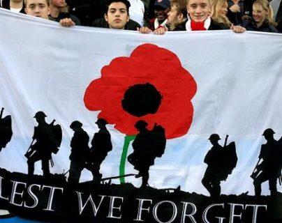 La Fifa sancionó a Gales por exhibir una pancarta conmemorativa en honor a los soldados muertos durante la primera guerra mundial. (Foto Prensa Libre: Hemeroteca)