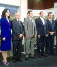 Presidenciables luego del foro donde definieron sus posturas sobre el sector agrícola del país. (Foto Prensa Libre: Cámara del Agro)