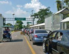 El movimiento de vehículos guatemaltecos en las aduanas es constante.(Foto Prensa Libre: Hemeroteca)