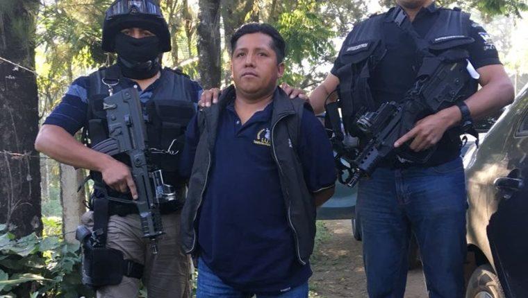 César Augusto Cruz Teyul es sindicado de haber participado en el secuestro de un niño en el 2014, en San Juan Chamelco, Alta Verapaz. (Foto Prensa Libre: PNC)