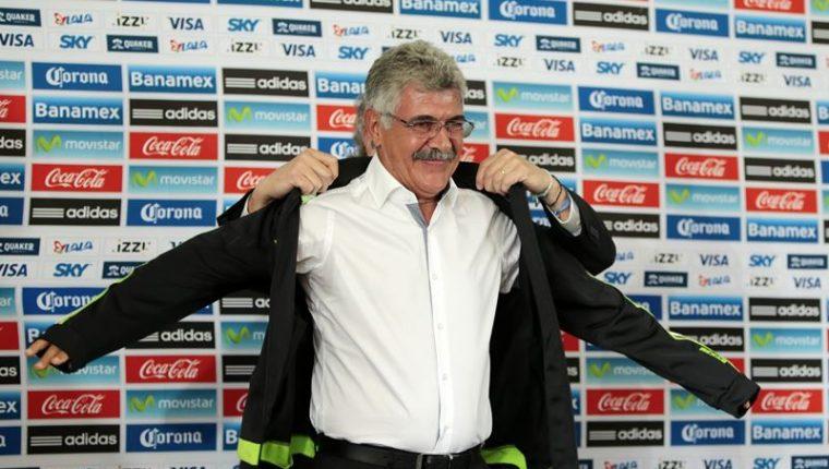 Ricardo Ferreti fue presentado como nuevo técnico de México. (Foto Prensa Libre: EFE)